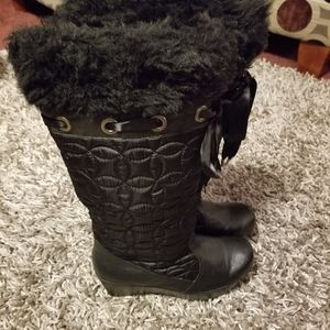 REPORT 'Glacier' Black Quilted Bow Boots, Sz 10